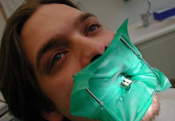 Материал для изоляции зубов от слюны
