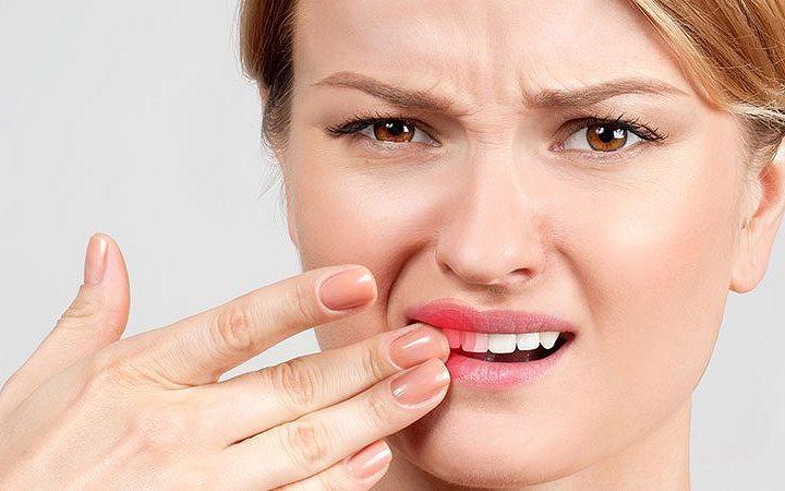 Гной на десне над зубом: что делать, лечение
