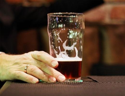 Можно ли пить пиво после удаления или лечения зуба