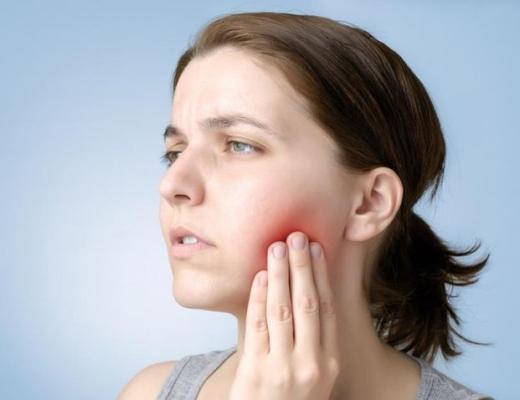 Как снять опухоль с лица от зуба