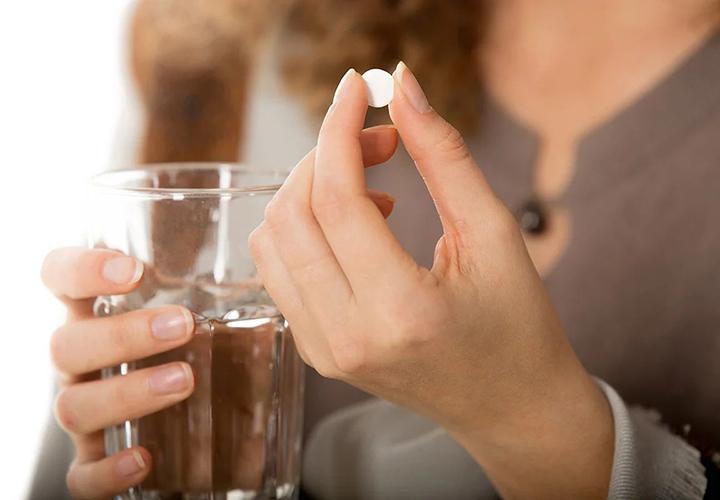 Выпить таблетку