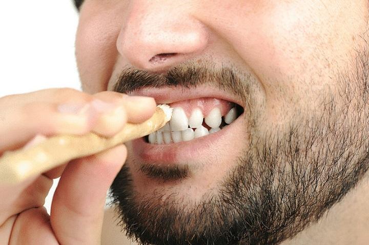 Натуральные палочки для очистки зубов