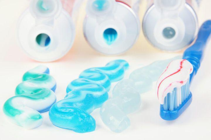 Разные зубные пасты